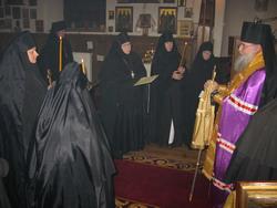 14.Архиепископ Тихон говорит наставление новопостриженным монахиням
